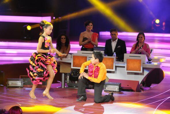 Gracias a su magnífico baile, la pareja del escuadrón de los Súper Poder...