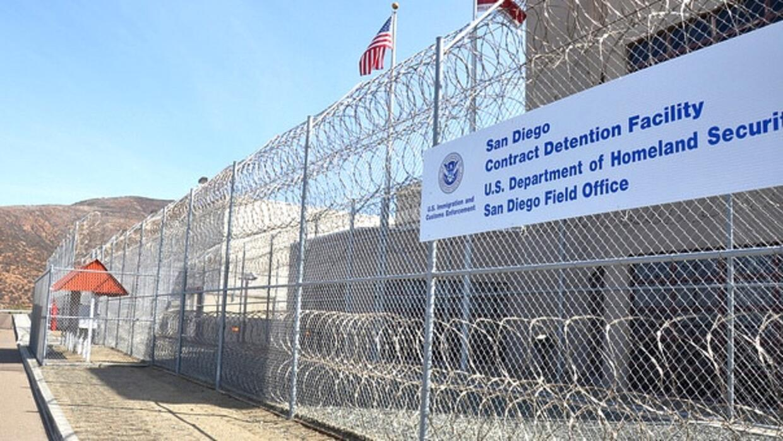 Centro de detención de ICE en Otay Mesa es operado por la empresa privad...