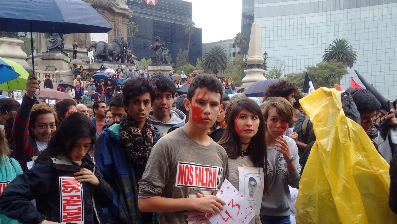 Marcha por Ayotzinapa en Ciudad de México