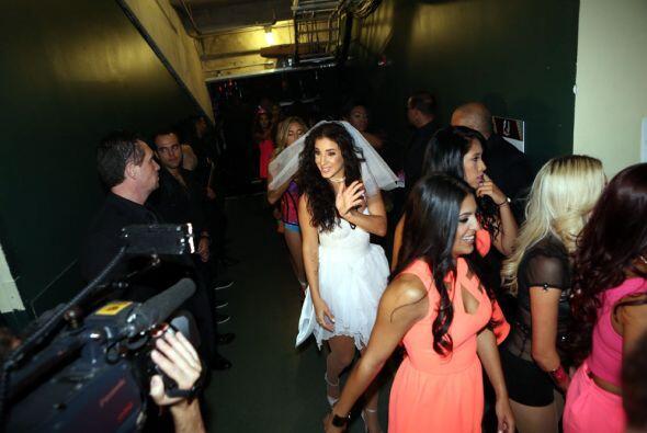 En exclusiva te llevamos detrás de cámaras en estos Premios Juventud 201...