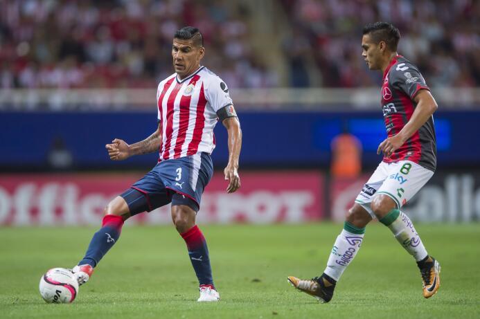 El campeón no sabe ganar: Chivas y Necaxa reparten puntos 20170805_1765.jpg