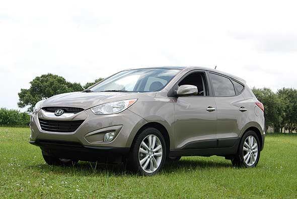 Para el 2010 la Hyundai Tucson se renovó totalmente para lucir mu...