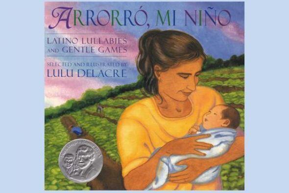 Este libro es una colección bilingüe que incluye canciones tradicionales...