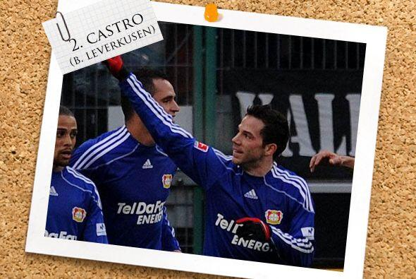 En la defensa, el alemán-español Gonzalo Castro dio un gran juego en el...