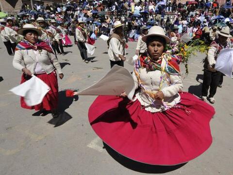 El Carnaval de Bolivia comenzó pese a las lluvias que aquejaron a...