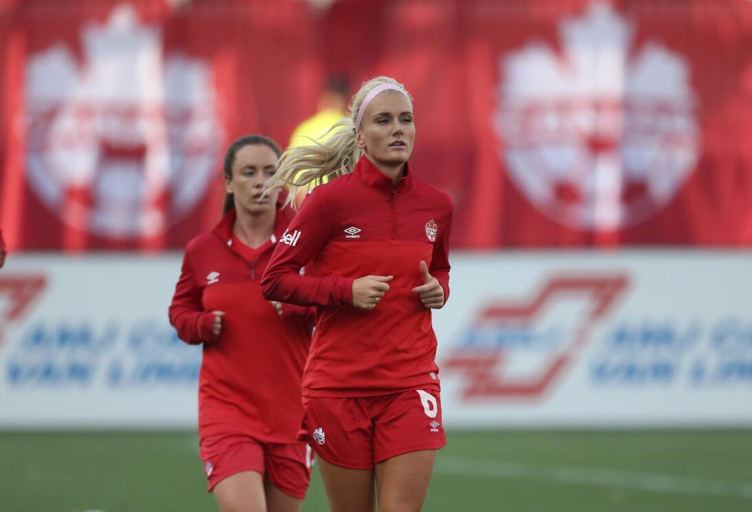 Kaylyn Kyle, la sensual reina del fútbol canadiense que enciende las red...