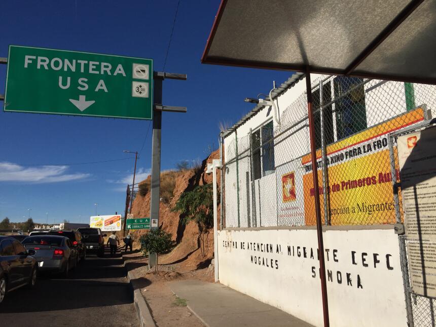 En fotos: Centro de Atención al Migrante Deportado en Nogales, México a-...