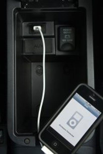 Incluye Bluetooth, sistema de sonido con nueve bocinas y conexión para i...