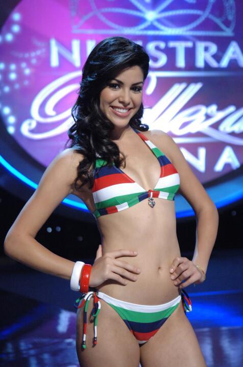 Ektor Rivera baila con otra que no es Yara Lasanta y tampoco en MQB  DSC...