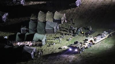 La Guardia Nacional trabaja día y noche colocando barricadas en la frontera antes de que llegue la caravana de migrantes