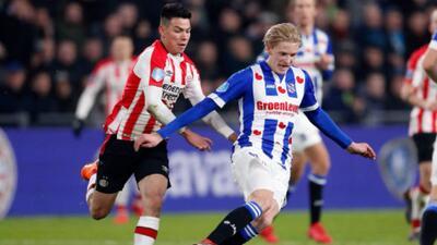 Hirving 'Chucky' Lozano pierde la cabeza en el empate de PSV contra Heerenveen