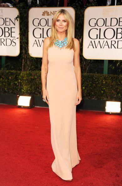 Por ejemplo, Heidi Klum se puso creativa y combinó su 'nude dress' con u...