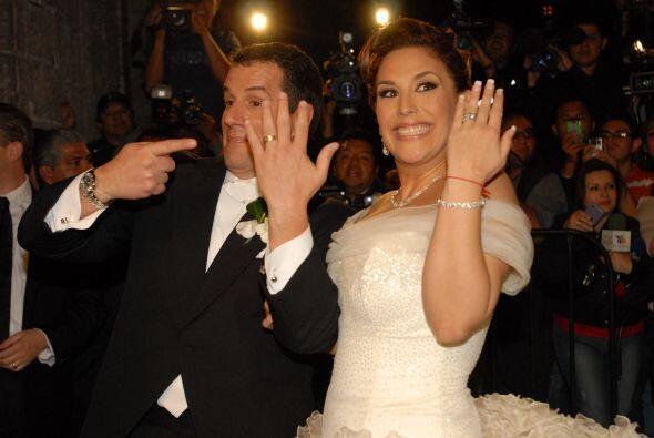 La pareja no podía ocultar su emoción y felicidad, ambos c...