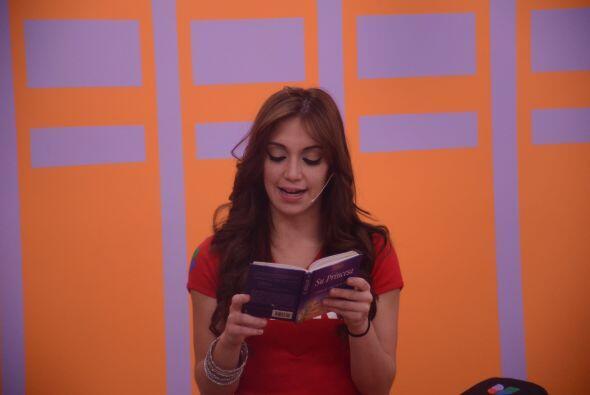 Laura leyó el librito que le ha ayudado en los momentos más difíciles.