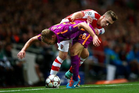 El Arsenal se lució ante su público al golear 4-1 al Galat...