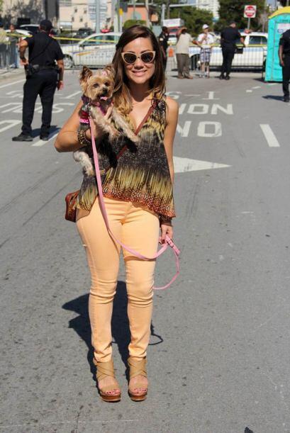 Gloria Ordaz de Univision 23 llego a la Parada de los Reyes Magos con su...