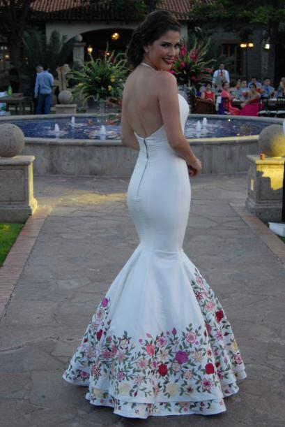 Todos querían tener foto de la novia, la boda de Ana era un evento muy e...