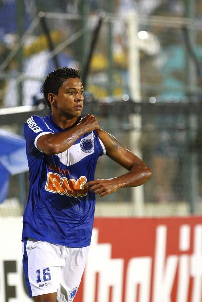 Wallyson fue uno de los que convirtió en la goleada del conjunto brasileño.