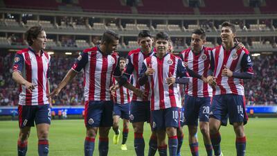 Chivas clasificó a semifinales con gran remontada en la Copa MX