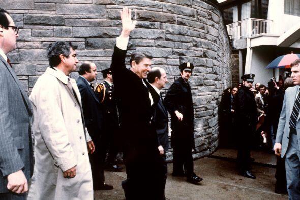 Hace 30 años, el entonces presidente Ronald Reagan sufría un atentado co...