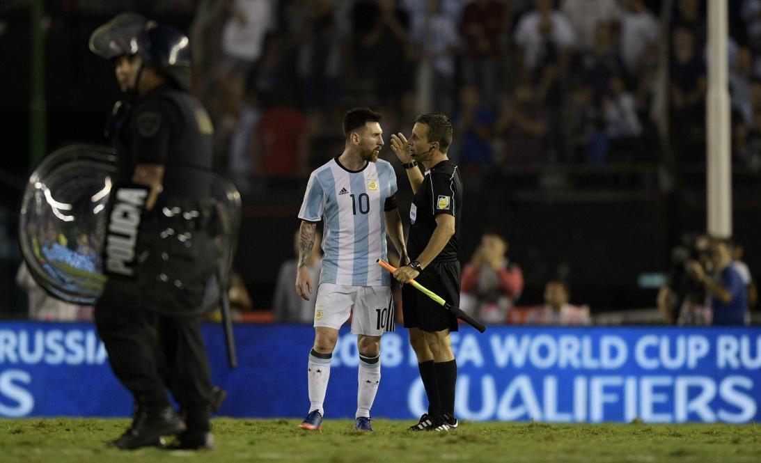 De Messi hasta James, polémicas de ídolos del fútbol latinoamericano Mes...