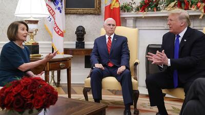 """Trump niega haber ofrecido amnistía para los dreamers y califica a Pelosi de """"demócrata radical"""""""