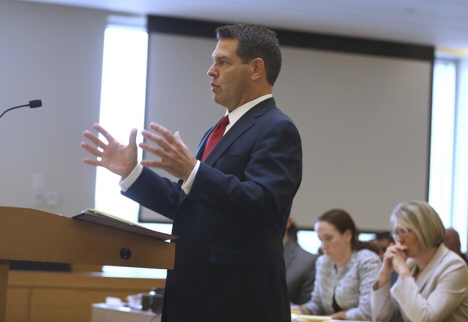 El abogado de Carter durante la presentación de sus argumentos iniciales...