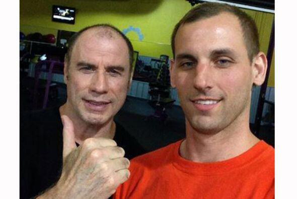 John Travolta usa desde hace años peluca para ocultar su calvicie, pero...