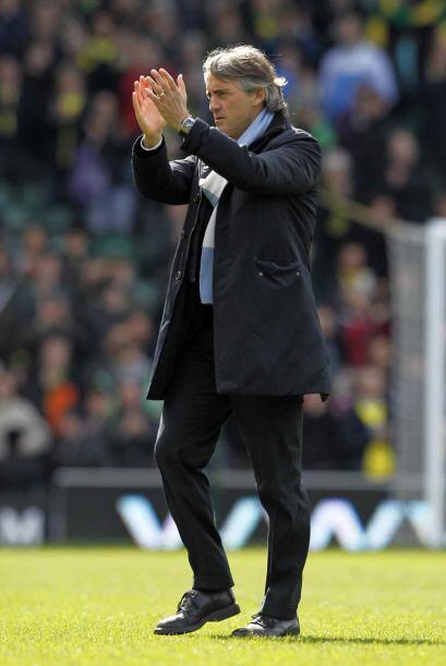 Triunfo contundente del City de Roberto Mancini, que aplaudió a sus diri...