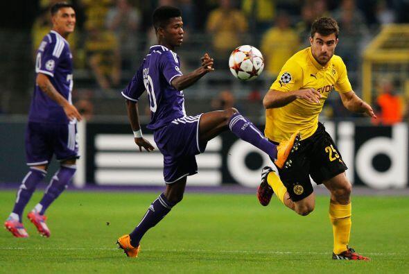 El Borussia Dortmund venció devisitante 3-0 al Anderlecht con dob...