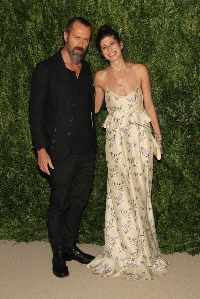 La diseñadora de joyas Pamela Love presumió un vestido floral con 'peplu...