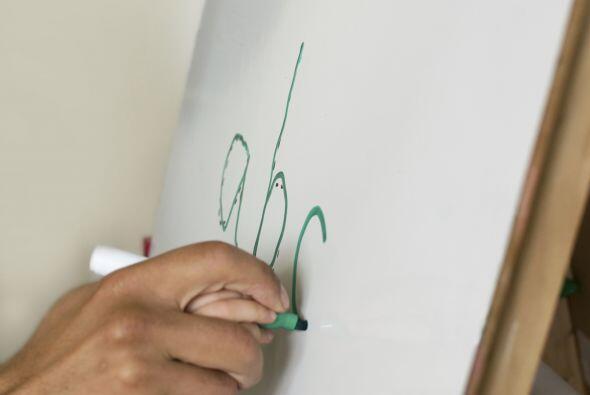 ESCRIBIR - Ayuda a Tu hijo a escribir las letras, especialmente las letr...