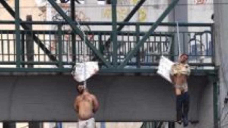 No es la primera vez que aparecen personas colgadas de puentes en los es...