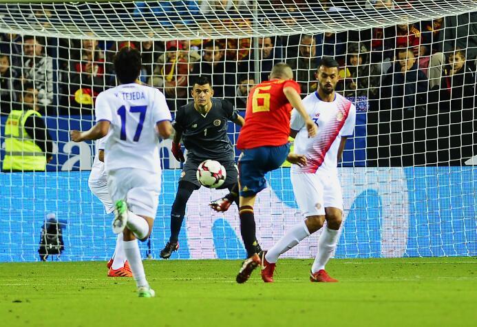 España paseó a Costa Rica 5-0 en La Rosaleda en juego de preparación rum...