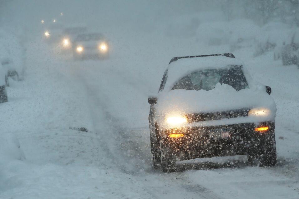 Consejos para manejar en nieve y hielo February 13, 2014 in the Brooklyn...