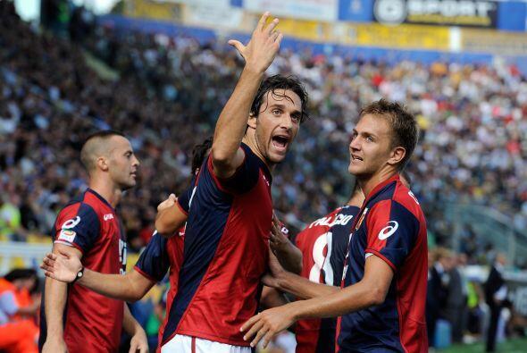 Un viejo conocido de equipos como Roma o Bayern Munich, Luca Toni, fue e...