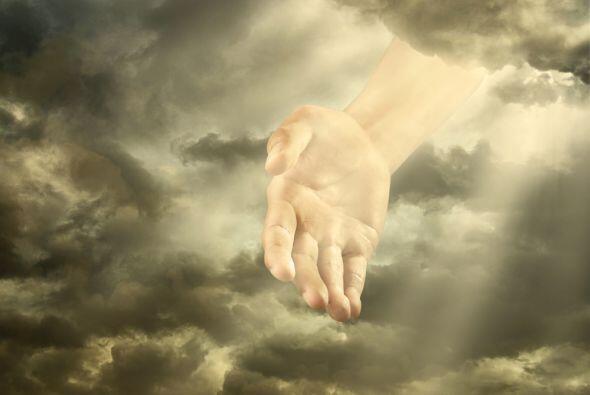 Siente cómo esa luz entra por tu cabeza e inunda totalmente tu cuerpo po...
