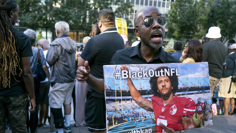Hubo una manifestación en la semana en favor de Kaepernick afuera de las...