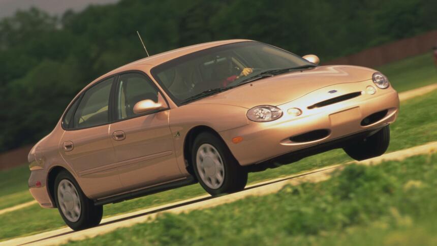 Los 15 carros más horrorosos de todos los tiempos 5.1998TaurusFlexibleFu...