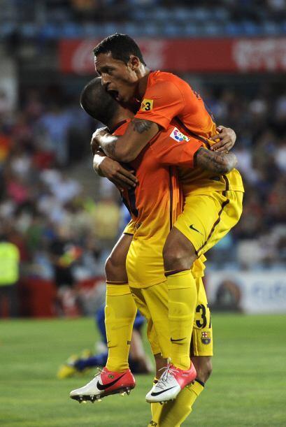 El último hombre en defensa es el polivalente brasileño Adriano del Barc...