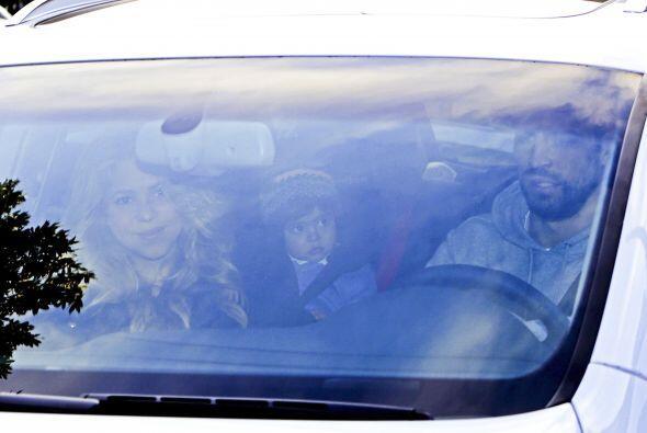 """""""Shaks"""" y Piqué ingresaron al hospital hoy a las 19 hrs de Barcelona."""