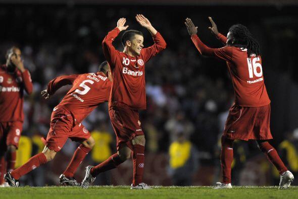 El festejo fue del ´colorao´ a pesar de perder 2-1 frente al equipo paul...