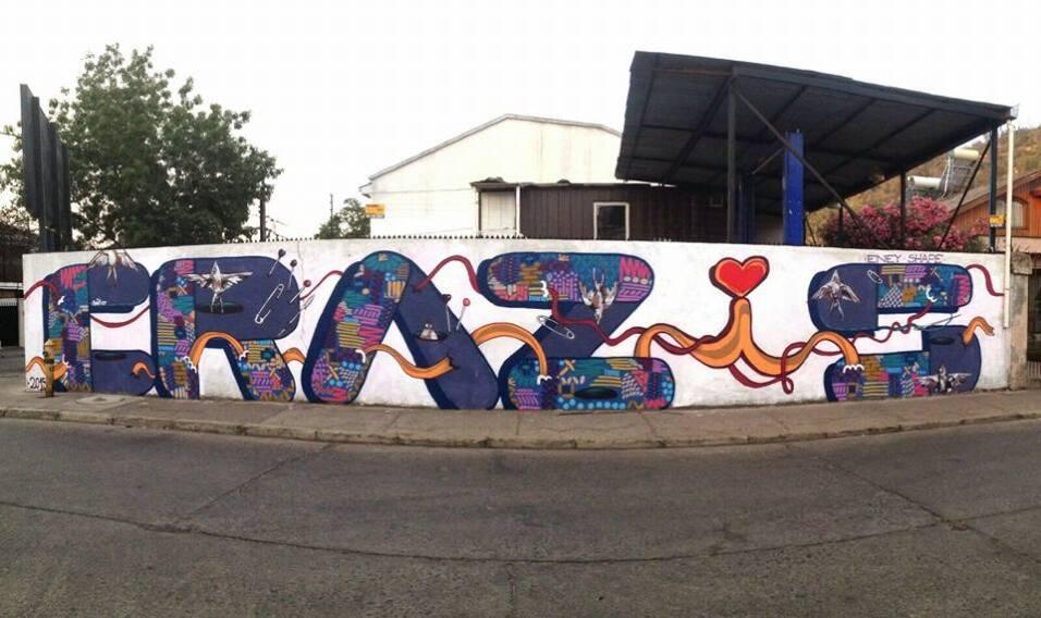 Muralistas chilenas se organizan para tomarse las calles 12400530_958699...