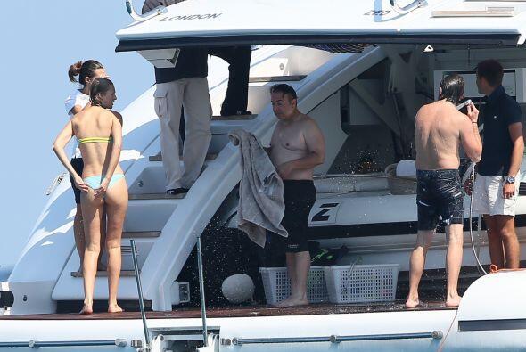 Leo DiCaprio y su modelo de novia andaban navegando por aguas de Miami e...