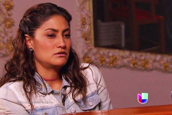 Por otra parte, Dolores no sabe que el padre Jerónimo sospecha que ella...