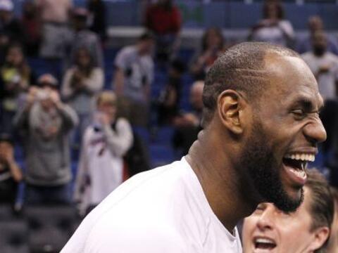 Los Heat de Miami  dieron otra exhibición de juego de equipo lide...