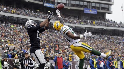 Packers 30-20 Raiders: Green Bay liga 3 triunfos y amarra un lugar en lo...