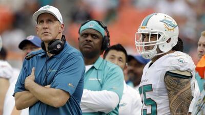 De entre los involucrados en el escándalo de Dolphins al menos el coach...