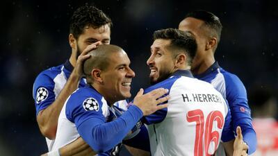 Héctor Herrera supera a 'Chicharito' con el gol más rápido de mexicanos en Champions