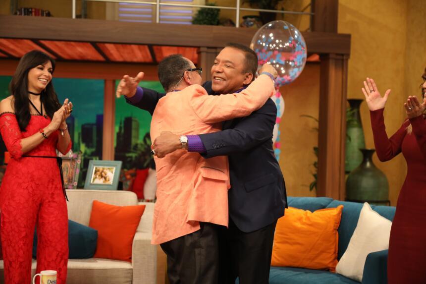 Fernando estaba muy emocionado de poder abrazar de nuevo a su compadre.